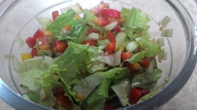 Cucumber-capsicum salad