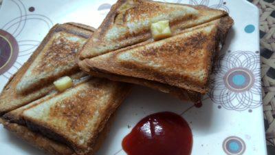Aloo ke sandwich